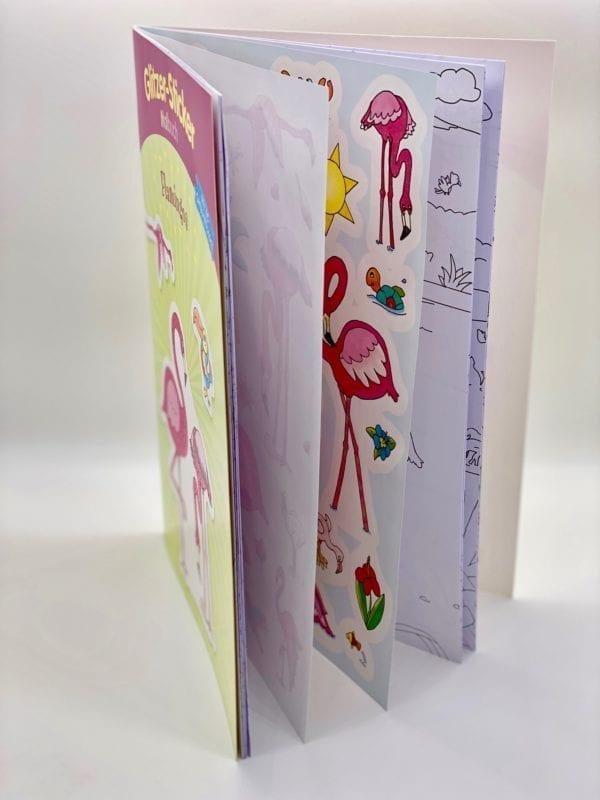 Stickerbogen: Broschur mit eingebundenen Stickern