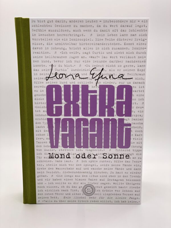 Extravagant Leona Efuna 360 Grad